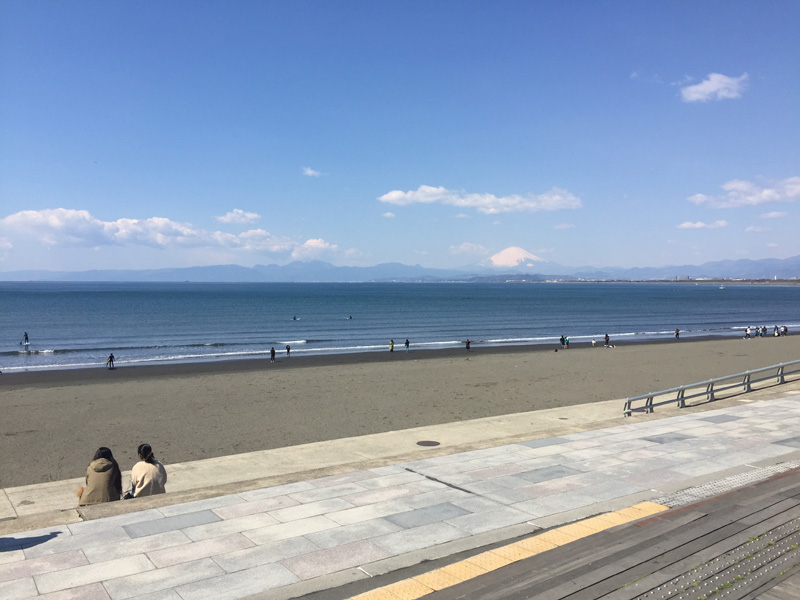 砂浜もあり江の島観光を存分に楽しめます
